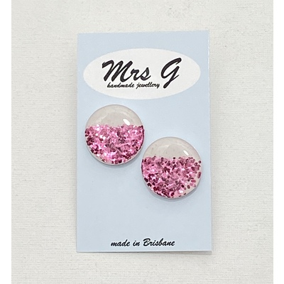 25mm Resin Glitter Studs Pink on white